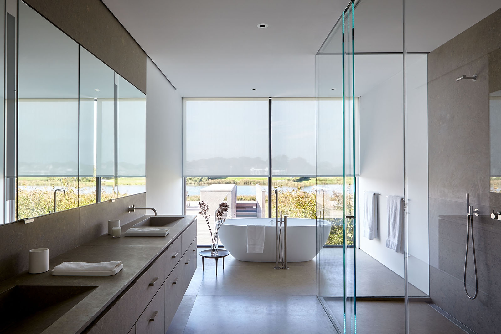 Open view water bathroom