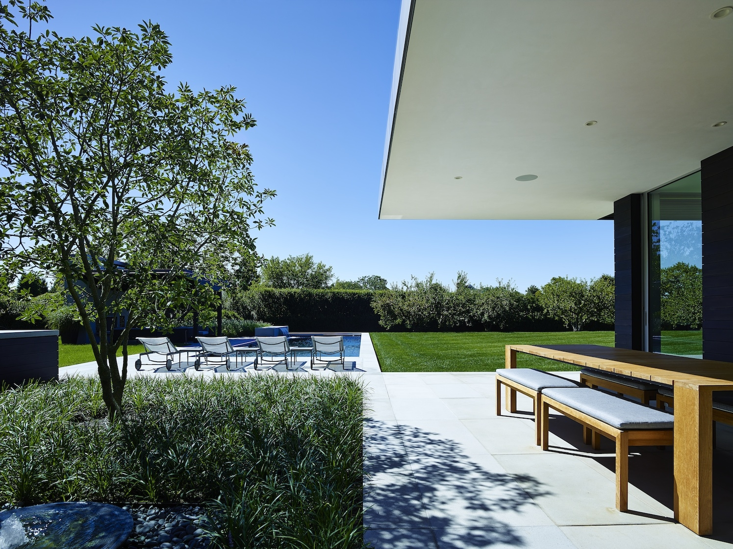 Sagaponack Modern House Outdoor Living