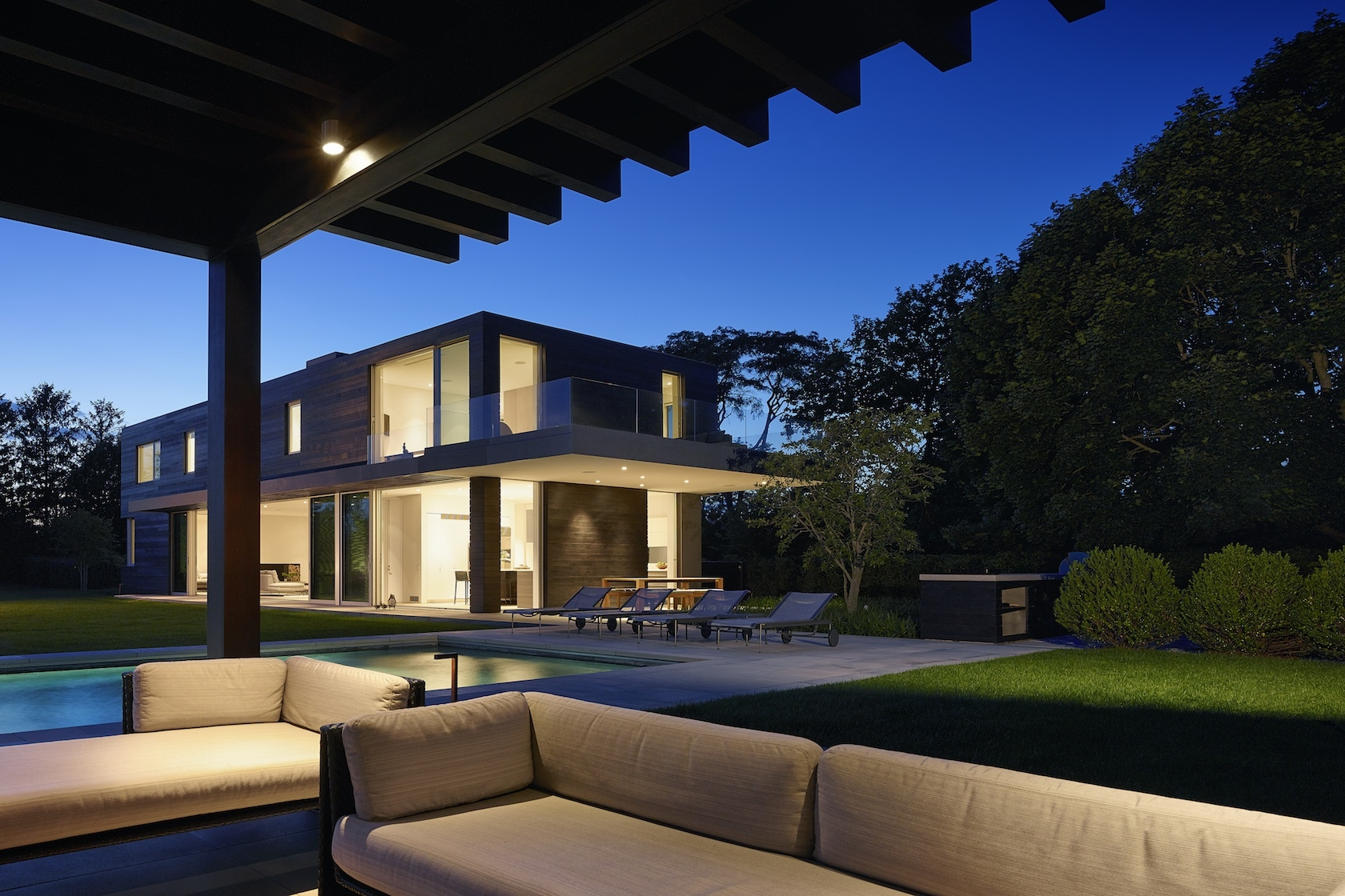Sagaponack Modern House Covered Porch