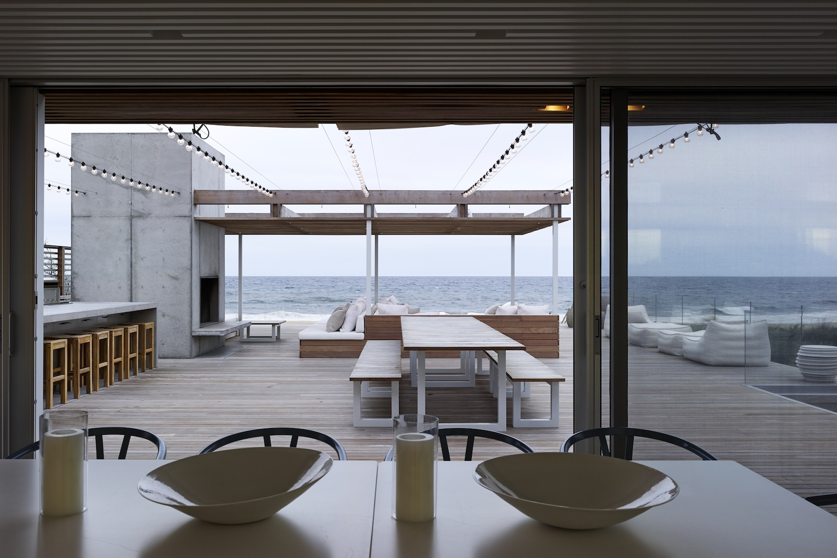 Bridgehampton, NY modern house deck overlooking ocean