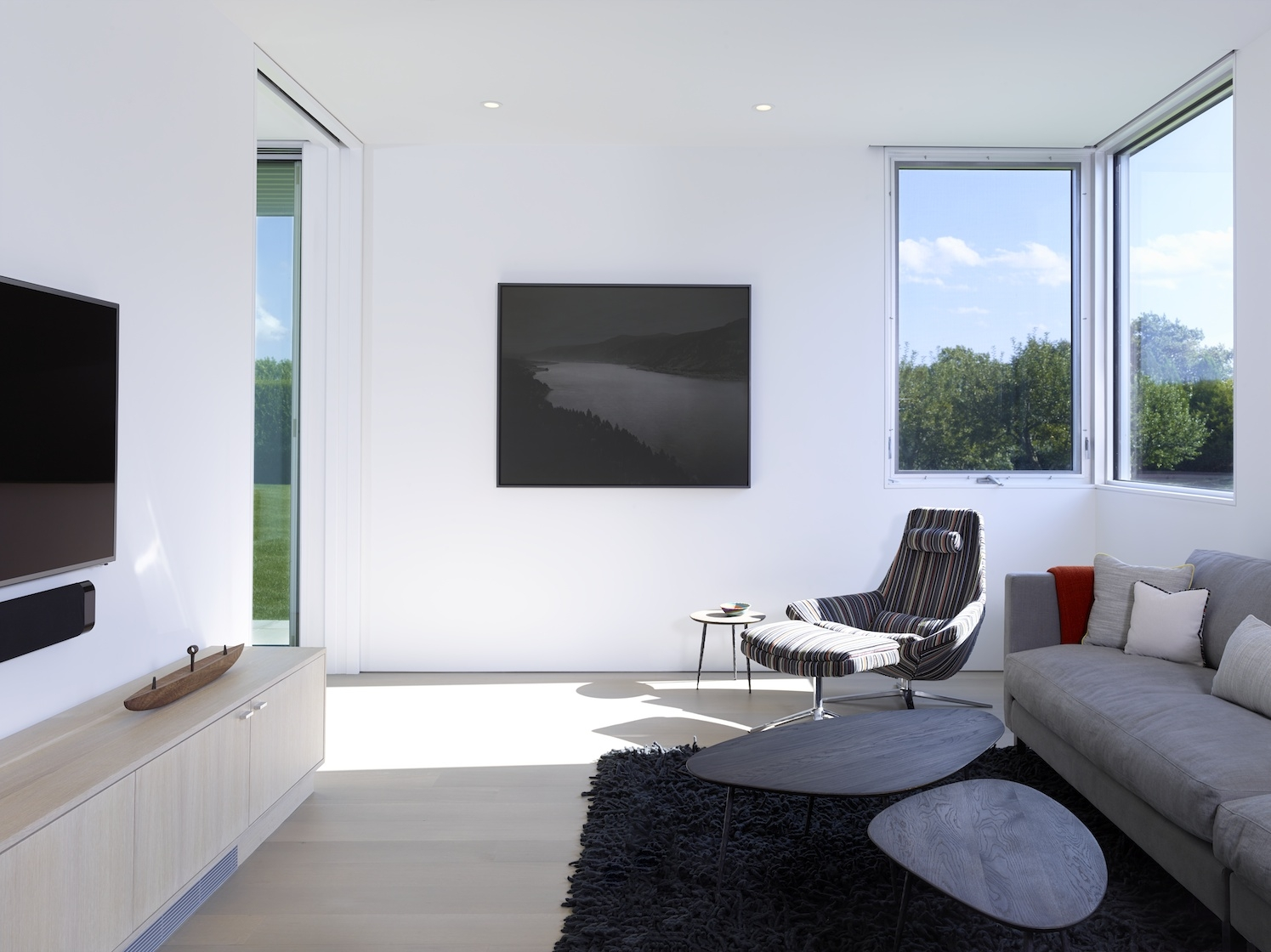 Sagaponack Modern House Interior Design Family Room