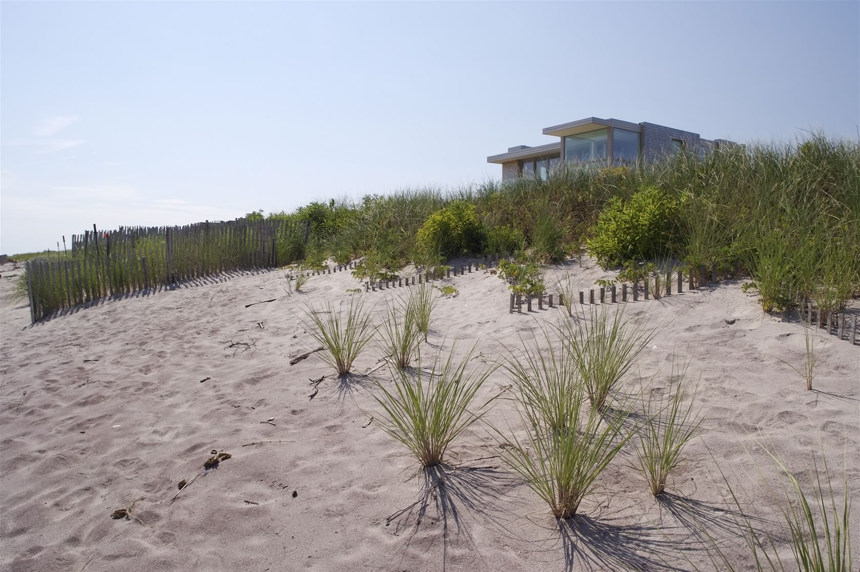 ... Bridgehampton, NY Modern Oceanfront House View From The Beach ...