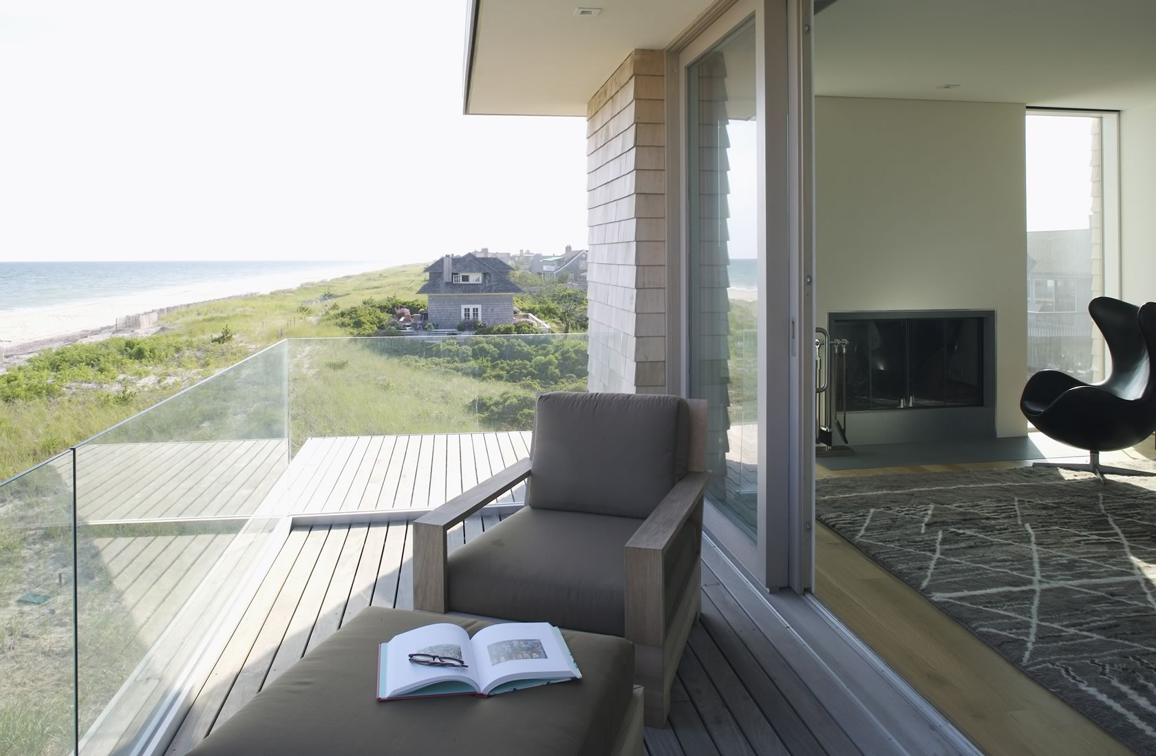 Perfect ... Bridgehampton, NY Modern Oceanfront House Deck ... Nice Design